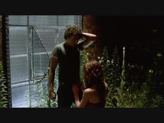 Девушка берет в рот у незнакомого парня за клубом (отсосала за клубом, делает минет после дискотеки)