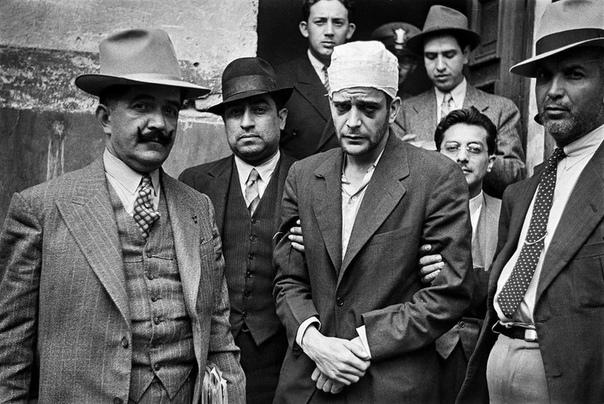 Ледоруб для Троцкого. Деревня Койоакан (сейчас часть Мехико, Мексика), 21 августа 1940 года. В 1920-м, когда Ленин стал настолько плох, что ему начали ставить прогулы на кладбище, фаворитом на