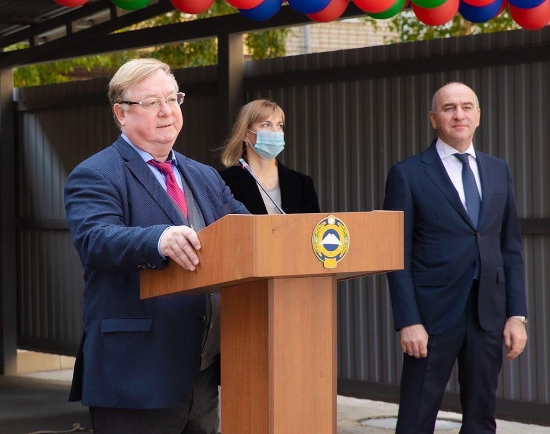 Темрезов и Степашин присвоили статус многоквартирному дому в КЧР