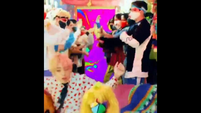TAEHYUNG WENT IN THERE AS IF HE WAS AN INEXPERIENCED INNOCENT BOY AND END UP OWNING THE PARTY TAEHYUNG DID THAT AnswerIsHere m