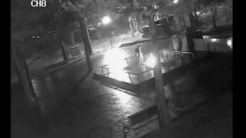 Неизвестные сожгли венки на мемориале «Никто не забыт» в Печоре