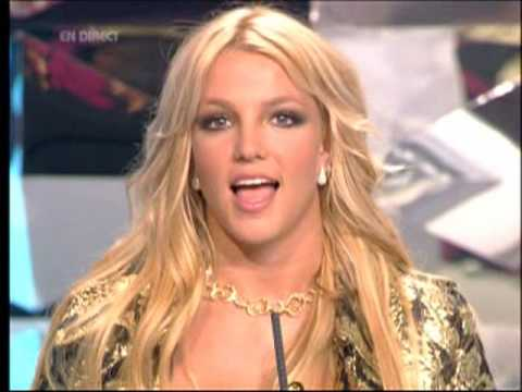 B Spears NRJ Music Awards 2004 Presents Madonna for the award of honor