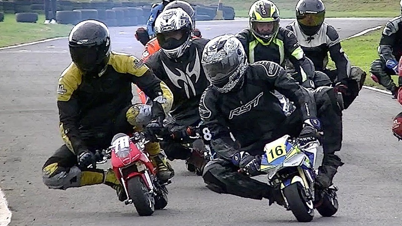 GIANTS on mini Bikes in AMAZING RACE! Cool FAB Minibikes Champs. 2018, Rd 8, Tattershall