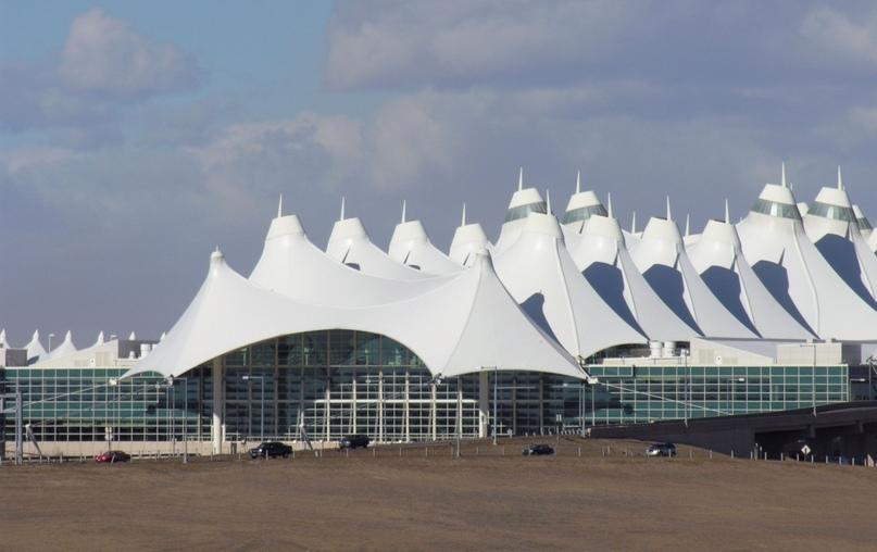Невероятные аэропорты, в которые точно захочется вернуться, изображение №11
