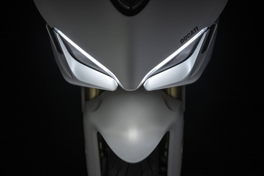 Спортбайк Ducati SuperSport 950 2021