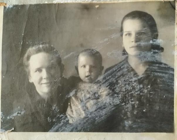 ищем родных по старым фотографиям экипажа