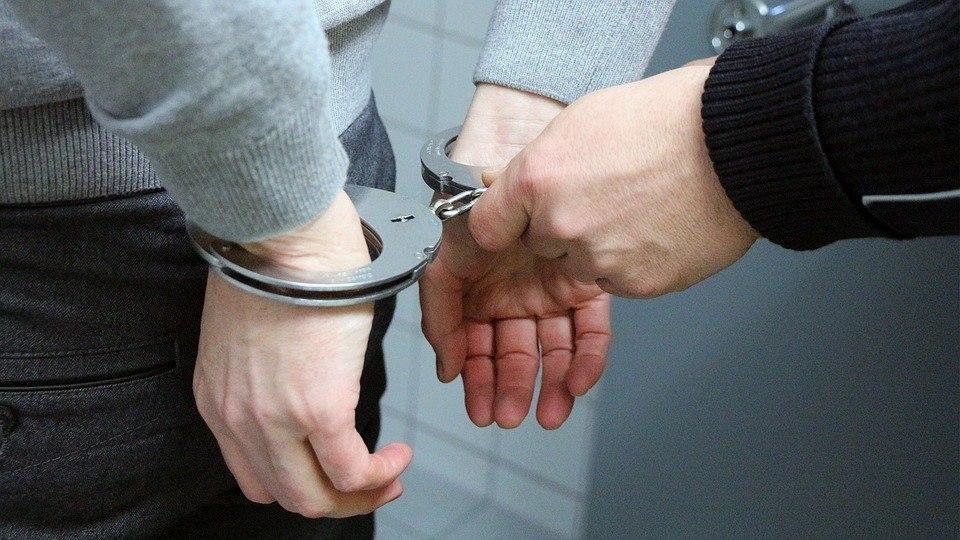 Полицейские Выхина-Жулебина задержали подозреваемых в распространении наркотиков