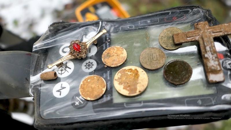 ПОВЕЗЛО нашли РУБИНЫ ЗОЛОТО СЕРЕБРО в одной находке и россыпь монет Коп не по картам