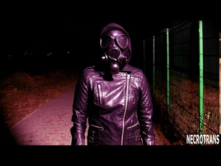 Мб-1-80 - максимальная комплектация маски. Кожаный костюм и противогаз. Прогулки в противогазе