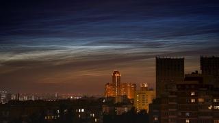 Noctilucent clouds over Moscow. Серебристые облака над Москвой (Panasonic S1, 4K)