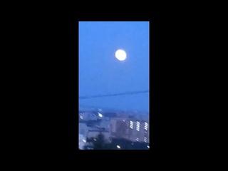 Что это было с луной??? Что за странные трансформации засняли в Благовещенске?