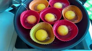 Научилась по-новому готовить яйца пашот: теперь могу приготовить одновременно даже 20 штук.