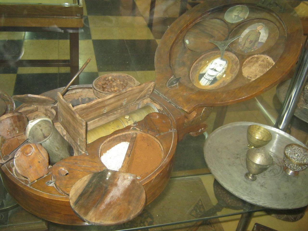старинный набор для приготовления кофе в Турции