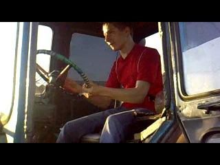 трахарь-пахарь!!!!!в данном видео не было жертв и Синий МТЗ-80(трактор) не пострадал!!!