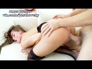 Страстный секс с красоткой Tori Black в черных чулках full HD