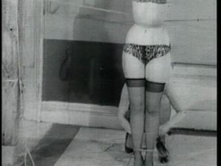 Bettie Page: Bondage Queen (1104)