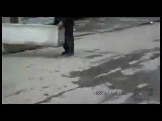 Месть рабочих за парковку на выезде со стройплощадки