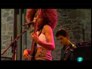 Esperanza Spalding - I Know You Know / Smile Like That (Live in San Sebastian july 23, 2009 - 3/9)