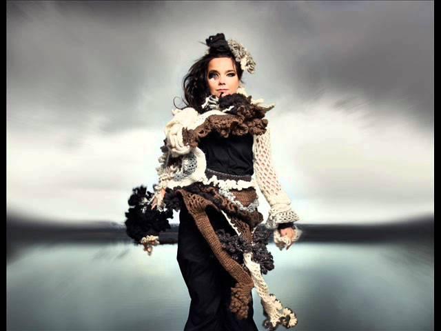 Björk - Gloomy Sunday.