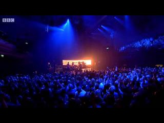 Queen + Adam Lambert - Bohemian Rhapsody / Killer Queen - New Years Eve London 2014/2015