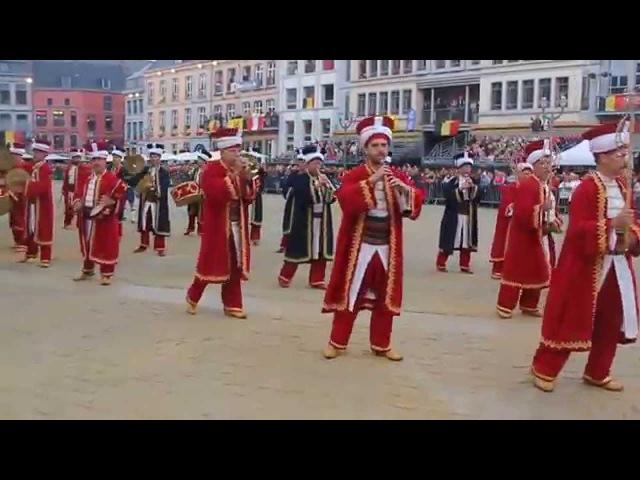 İznik Mehter ve Kılıç Kalkan Takımı Belçika Mons Konseri Giriş