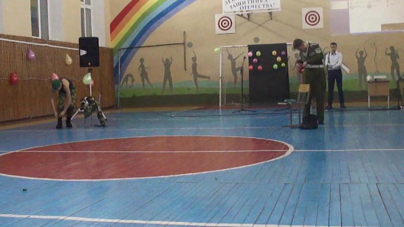 Конкурсная праграма прысвечаная Дню абаронцы Айчыны Прыгожы ў страі - моцны ў баі