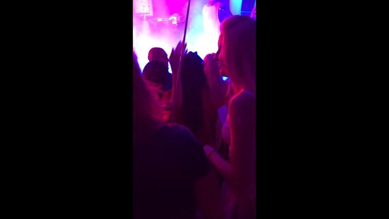 IbizabeachclubOdessaQuestPistolsShow