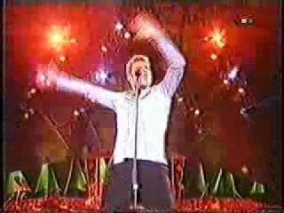 Ricky Martin Live La Bomba PAPA Vuelve Maria