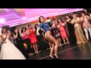 Belly Dance Düğünde oryantal   راقصة  راقصه شرقيه  bayi toplantısı   #Bellydancer #Mezdeke #dansoz