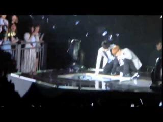 Tao and Kai falling down