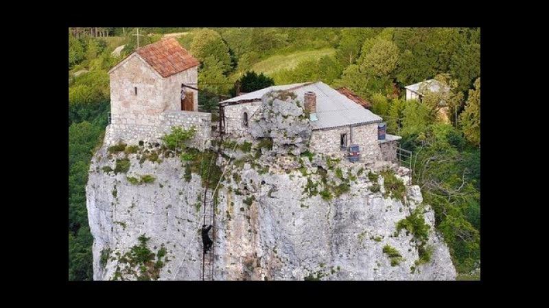 Церковь в 40 метрах над землёй Загадочный столп Кацхи