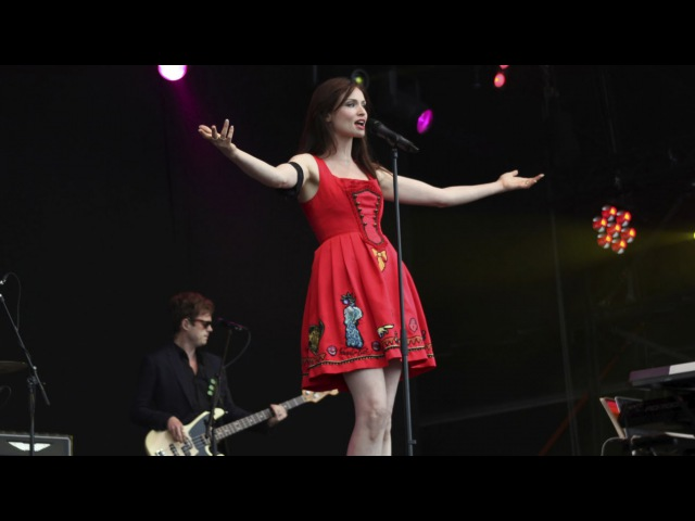 Sophie Ellis Bextor performs Groovejet If This Ain't Love live at T in the Park BBC
