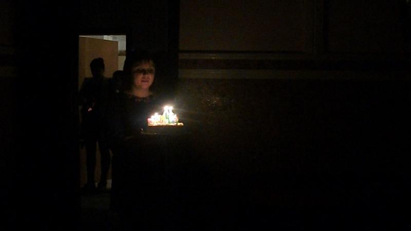 Мне торт несут на мое день рождения 10 лет 21 Декабря