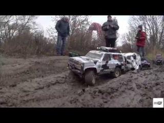 Gmade Komodo,AXIAL SCX10,Vaterra Ascender in mud...