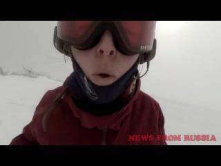 СНОУБОРДИСТКА И МЕДВЕДЬ! Snowboarder Girl and bear