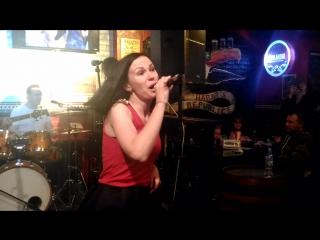 AILET ft. Elma OutWaves - Harat's pub