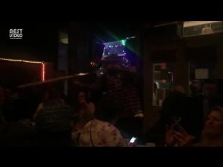 Музыканты бара сыграли тему из Охотников за привидениями для Билла Мюррея