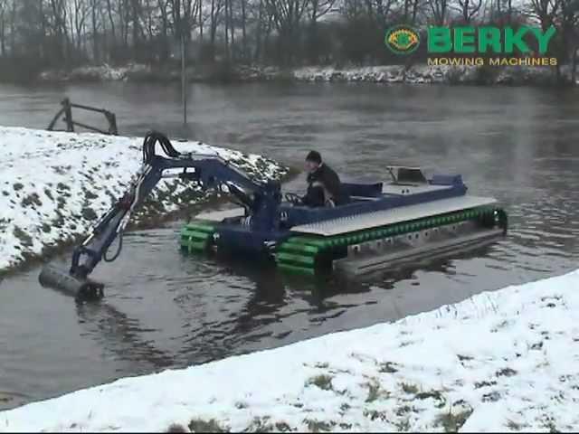 BERKY Amphibious boat type 6480 BERKY Amphibienboot Typ 6480