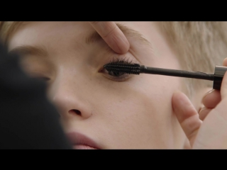 Makeup_at_the_Dior_Ready-to-Wear_Autumn-Winter_2017-18_Show