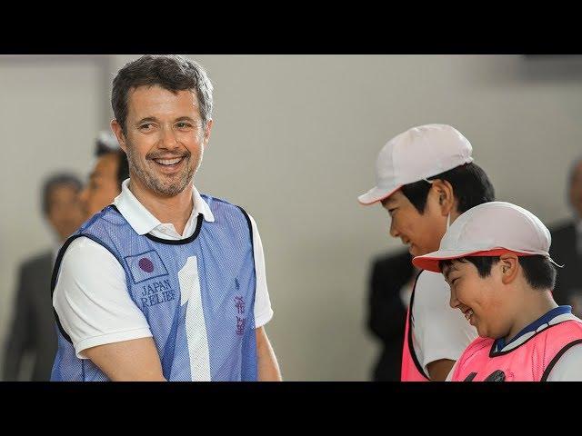 Rørt kronprins Frederik mødte gamle venner i tsunamiramt område