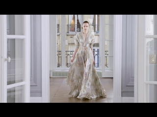 Ralph & Russo | Fall Winter 2018/2019 Full Fashion Show | Exclusive