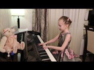 Жить в твоей голове (cover ЗЕМФИРА) Виктория Викторовна 8 лет, просто чудо, очен