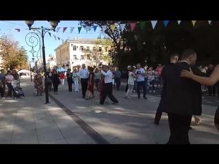 Танго флешмоб в Саратове