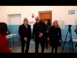 Александр Маршал голосует в Новосибирске