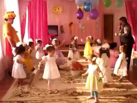 Танец дождик 1 младшая группа детский сад Ромашка с Хоринск