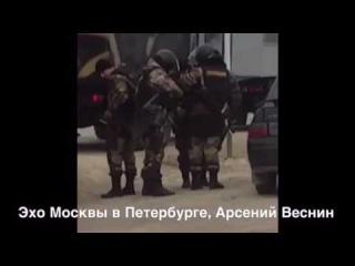 Войска окружили дальнобойщиков в Дагестане.