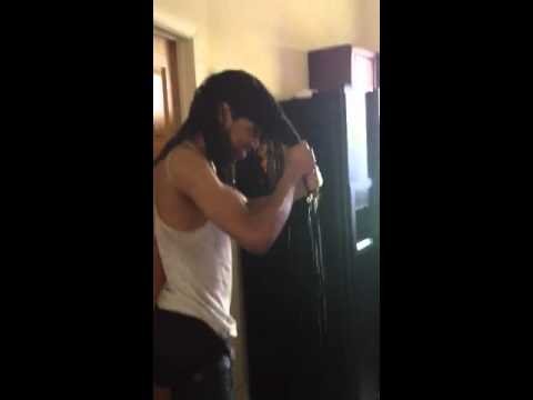 Tadoe gettin drenched