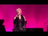 Cyndi Lauper sings girls just wanna have fun home for the holidays 2017