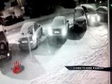 ЭКСКЛЮЗИВ. ВИДЕО. Лихач, который протаранил машины на парковке, попал в объектив камеры наблюдения