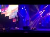 Дмитрий Колдун на сольном концерте Юты в Vegas Sicy Hall    песня под названием Карабли  01.12.2017